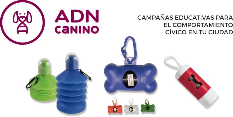 Foto con productos para pasear el perro, botella con agua y bolsas de basura.
